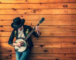 musicien-jouant-du-banjo_430-19315458
